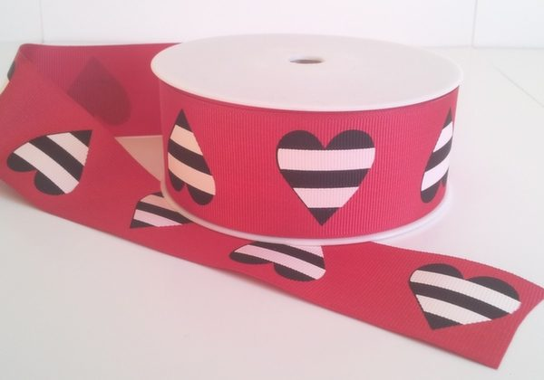 red Grosgrain with printed hearts 38mm x 20m